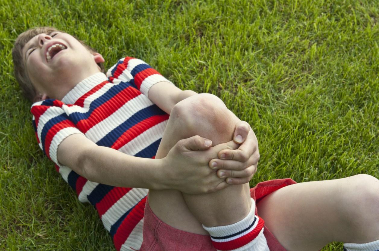 Ноющая боль в колене у подростка