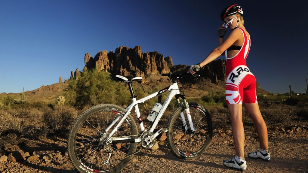 Нагрузка на позвоночник при езде на велосипеде