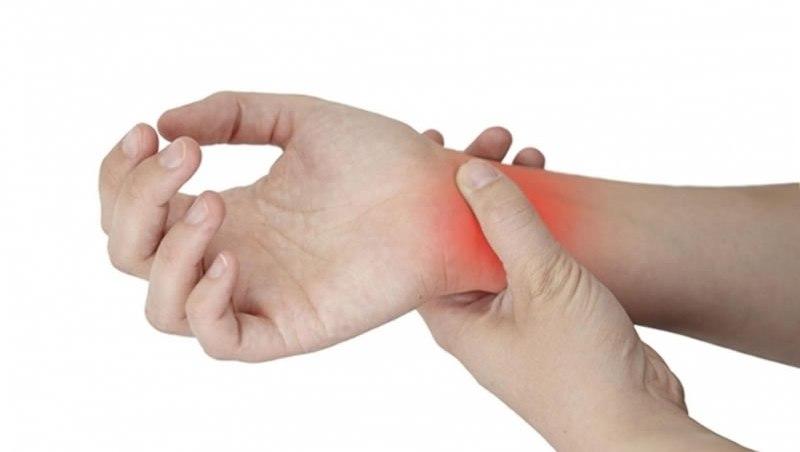 Эластичный бинт на запястье руки – как правильно наложить?