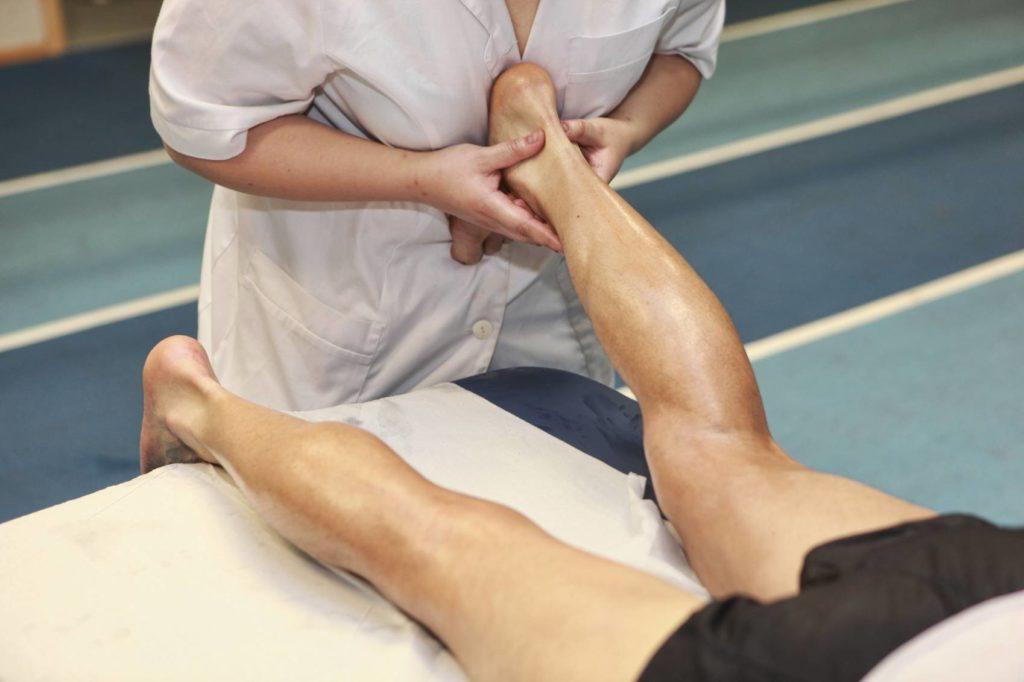 Массаж голеностопного сустава